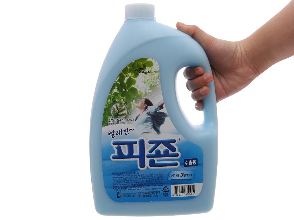 Nước xả vải Pigeon Hàn Quốc hương bianca chai 2.5 lít 3