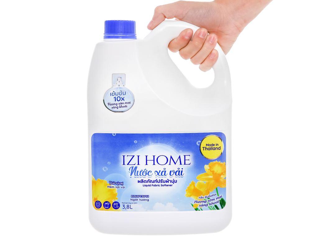Nước xả vải IZI HOME hương sớm mai can 3.8 lít 4