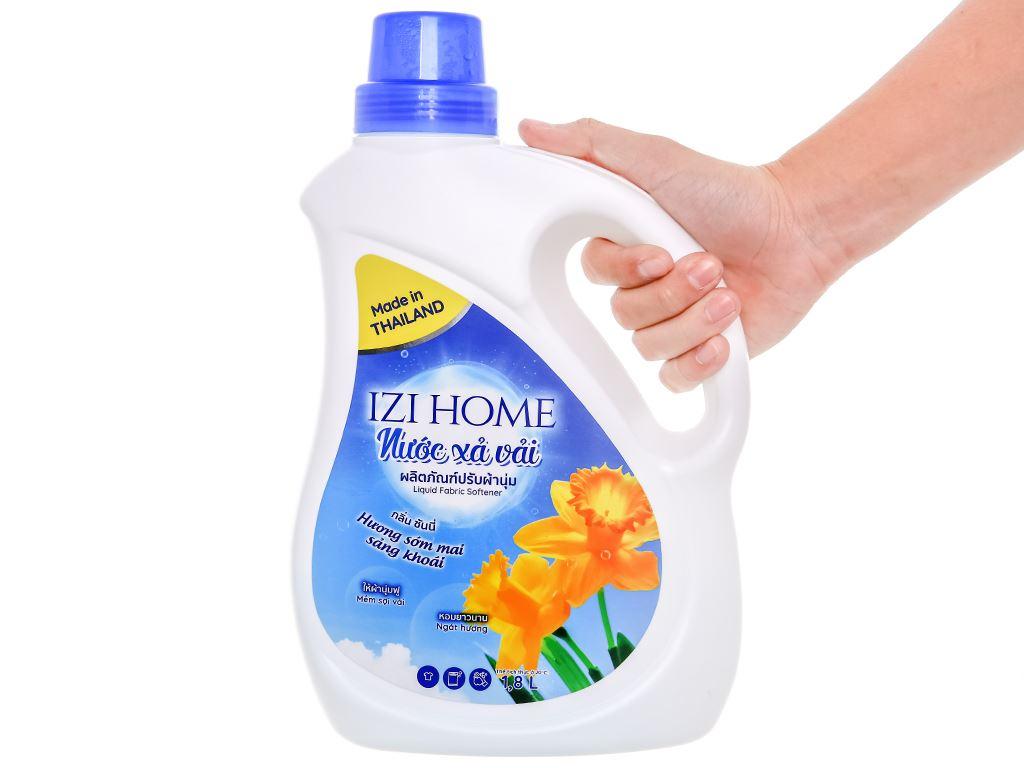 Nước xả vải IZI HOME hương sớm mai chai 1.8 lít 4