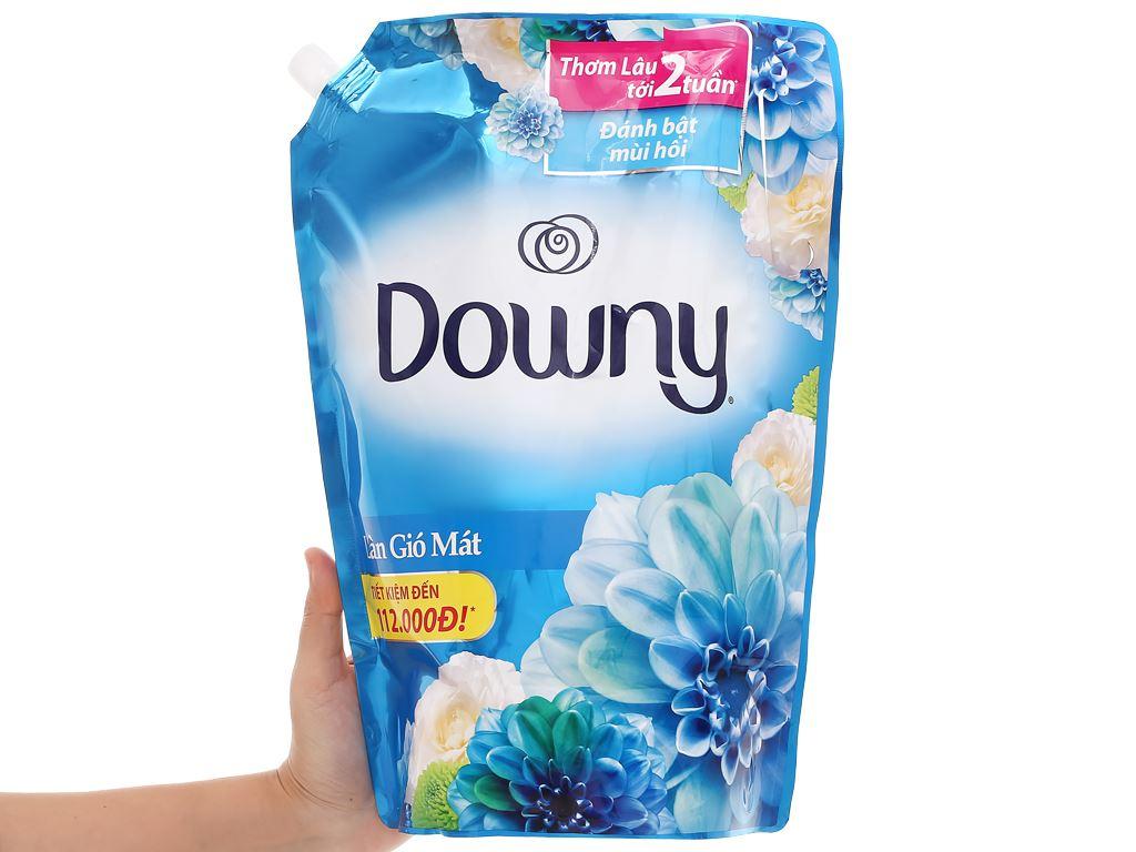 Nước xả vải Downy làn gió mát túi 2.4 kg 3