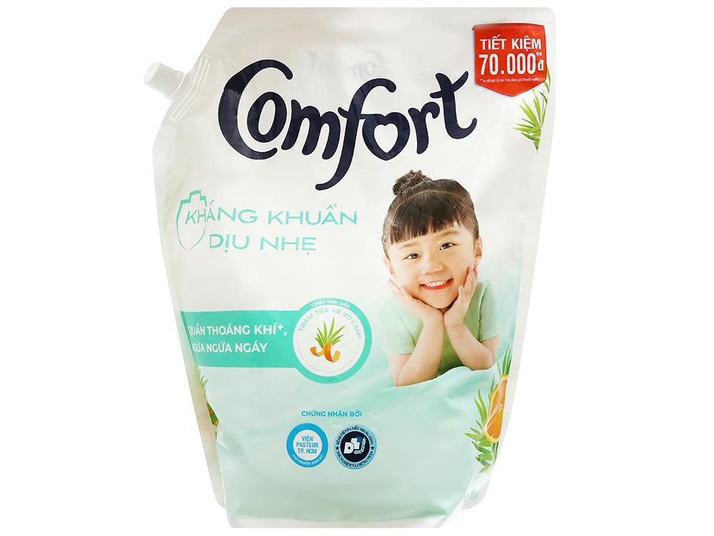 Nước xả vải Comfort kháng khuẩn dịu nhẹ túi 2.4 lít 1