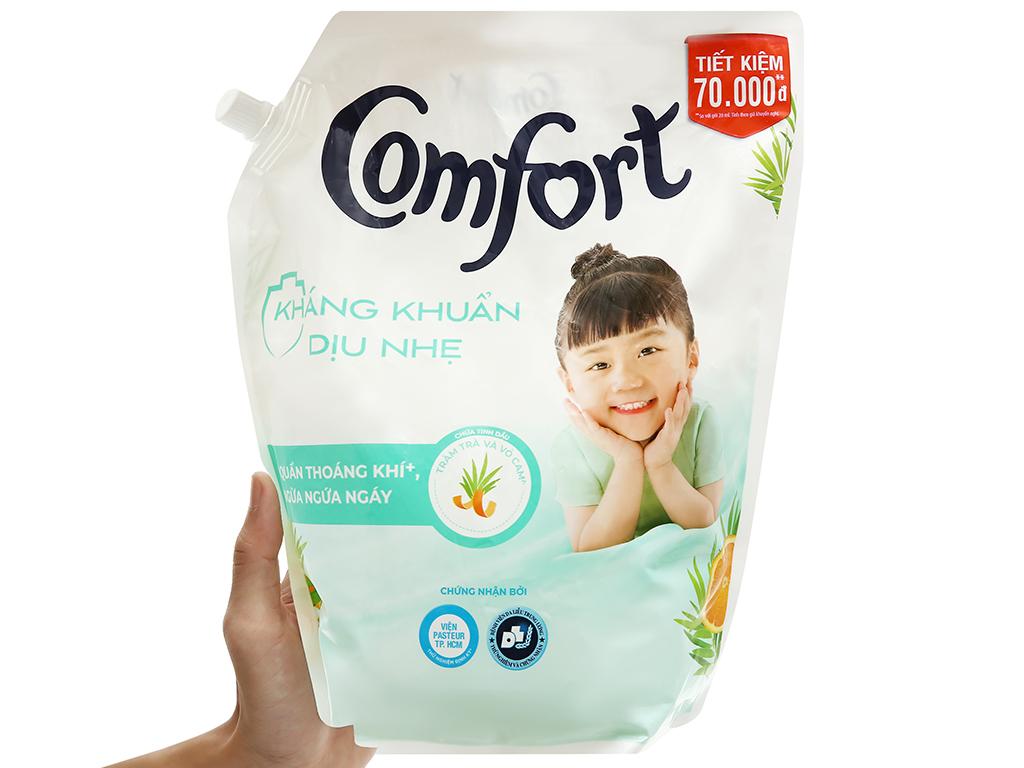 Nước xả vải Comfort kháng khuẩn dịu nhẹ túi 2.4 lít 4