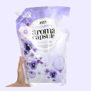 Nước xả mềm vải Aroma Capsule hương hoa violet túi 2.1 lít