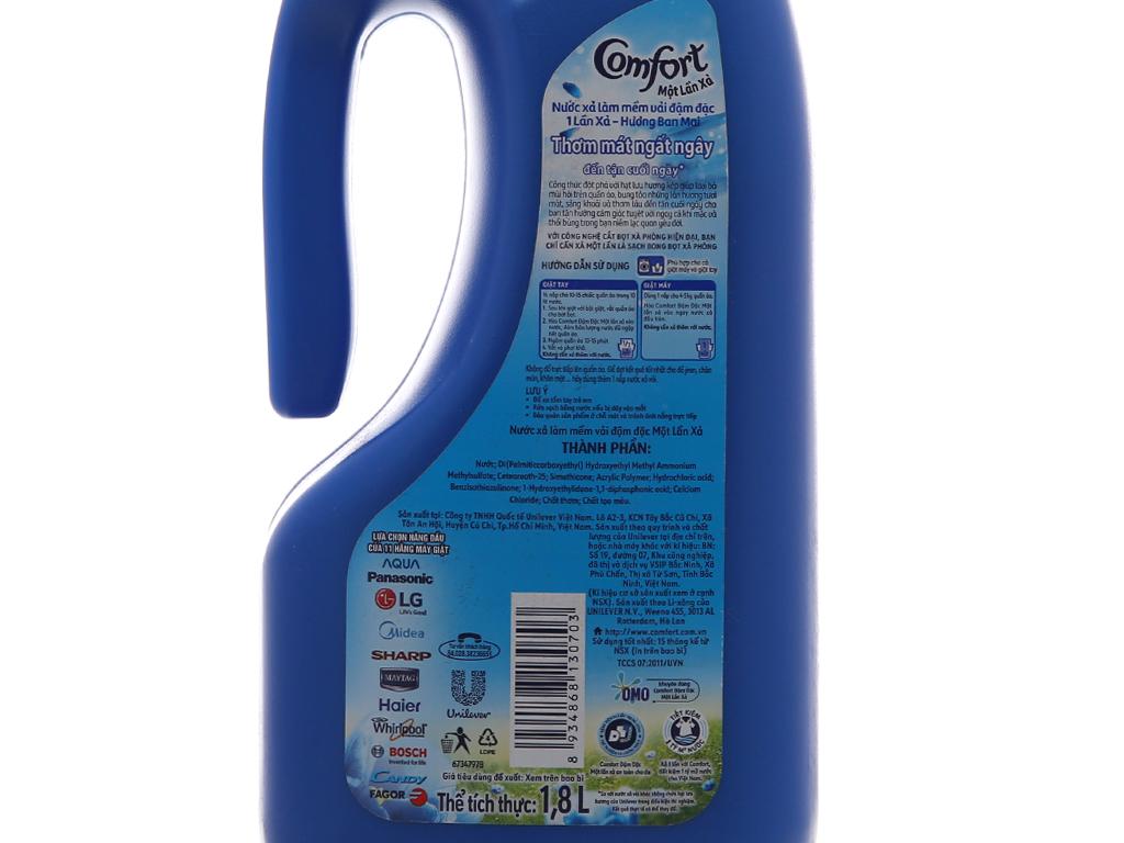 Nước xả vải Comfort một lần xả hương ban mai chai 1.8L 4