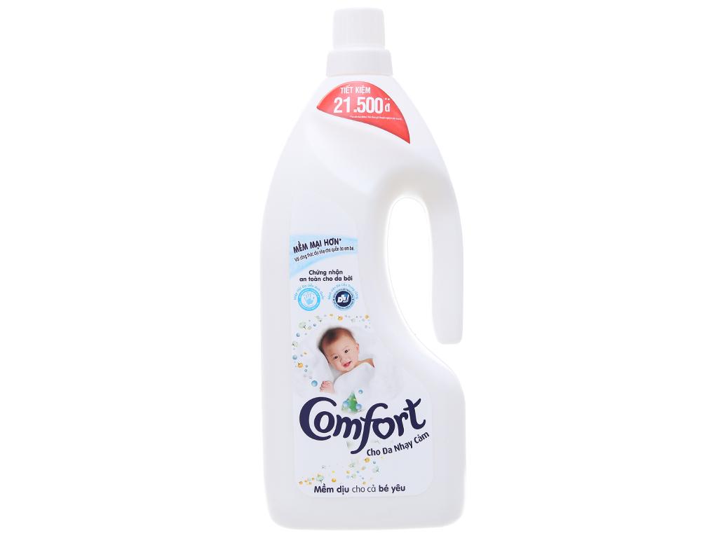Nước xả vải Comfort cho da nhạy cảm hương phấn chai 1.8L 1
