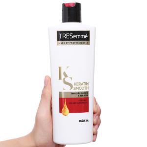 Dầu xả TRESemmé Keratin Smooth tinh dầu Argan 354ml