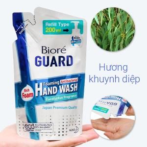 Bọt rửa tay kháng khuẩn Bioré Guard hương khuynh diệp 200ml