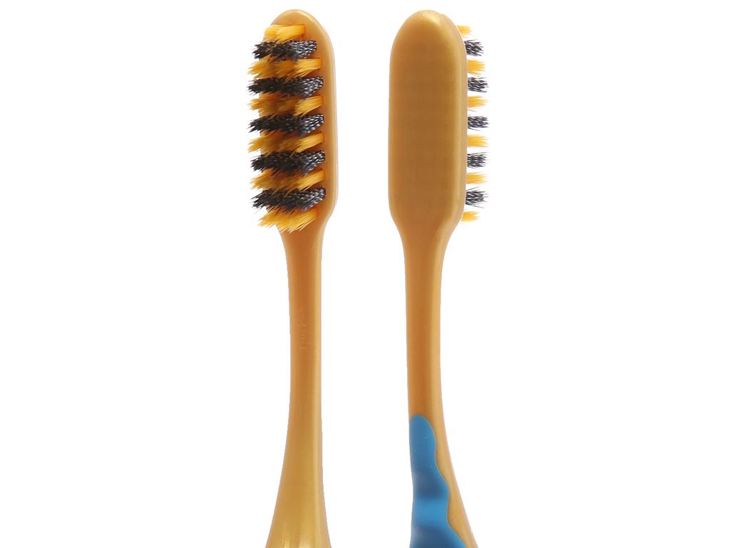 Bàn chải Colgate SlimSoft Gold Charcoal lông xoắn kép siêu mảnh 4