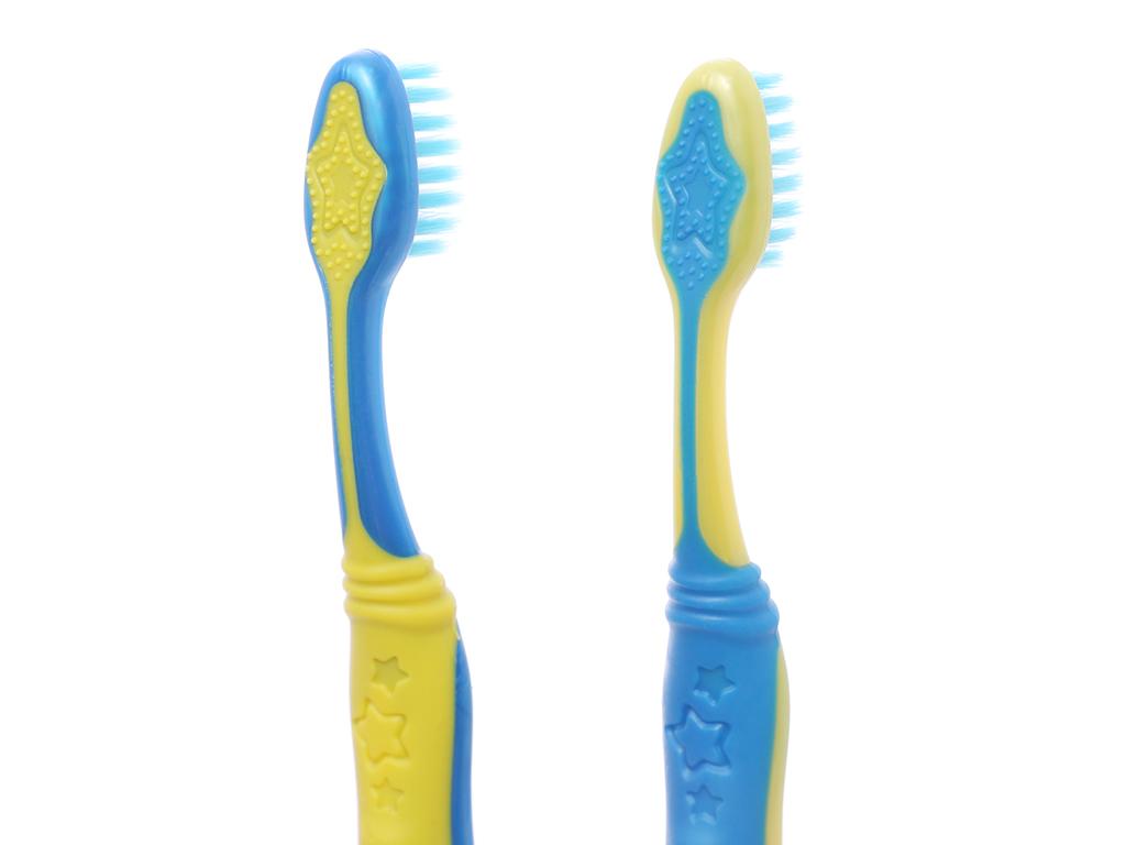 Bộ 2 bàn chải đánh răng cho bé 5-9 tuổi Colgate Minion lông siêu mảnh 5