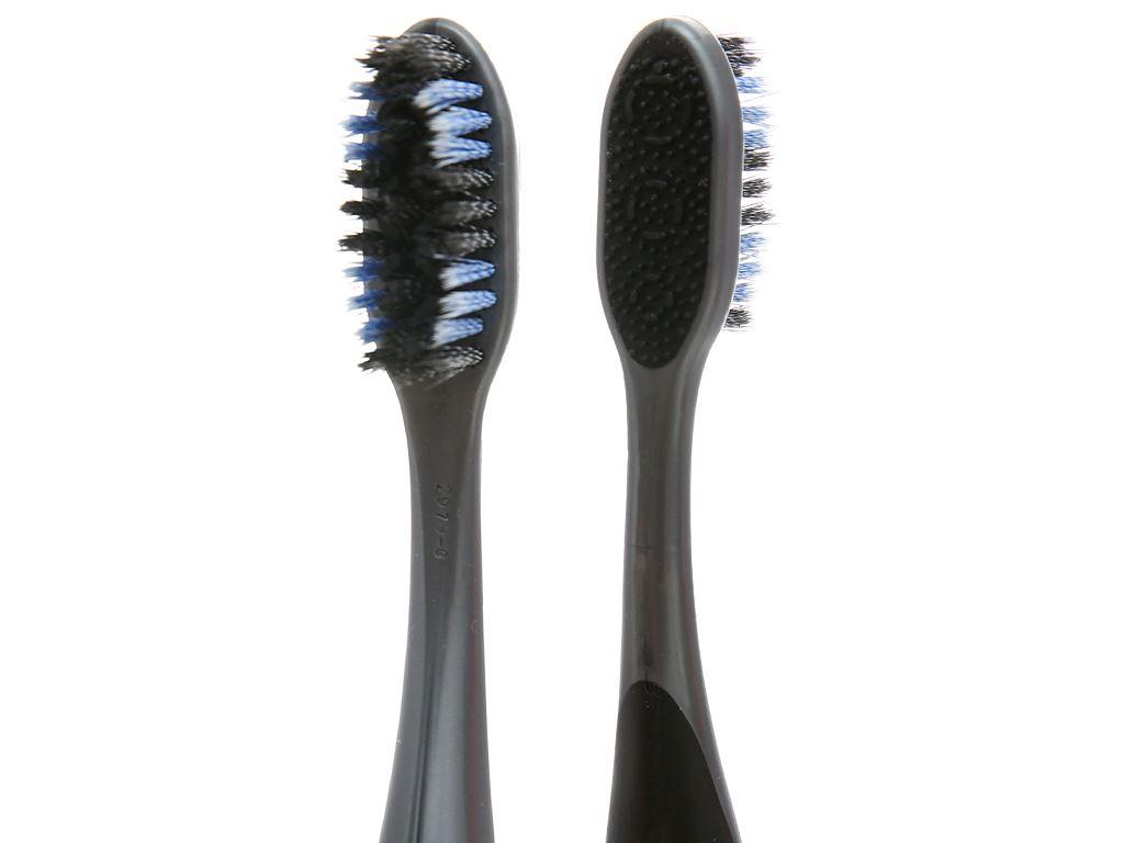 Bộ 2 bàn chải đánh răng Colgate 360 Charcoal Spiral 3