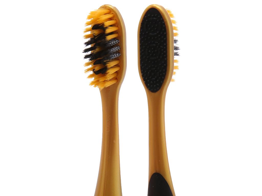 Bàn chải Colgate 360 Gold Charcoal lông xoắn kép siêu mềm 4
