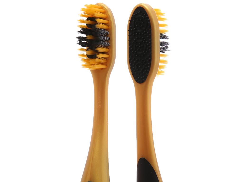 Bộ 2 bàn chải Colgate 360 Gold Charcoal lông xoắn kép siêu mềm 4