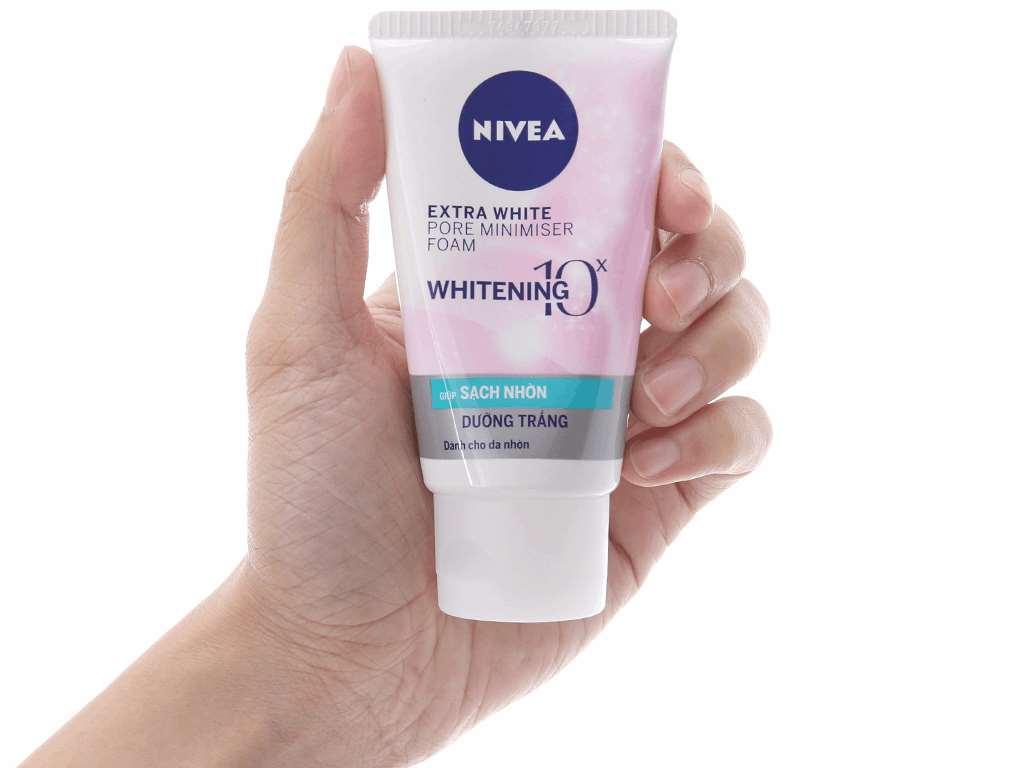 Sữa rửa mặt Nivea sạch nhờn dưỡng trắng 50g 4