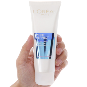 Sữa rửa mặt làm sạch và trắng mịn da L'Oréal White Perfect 100ml