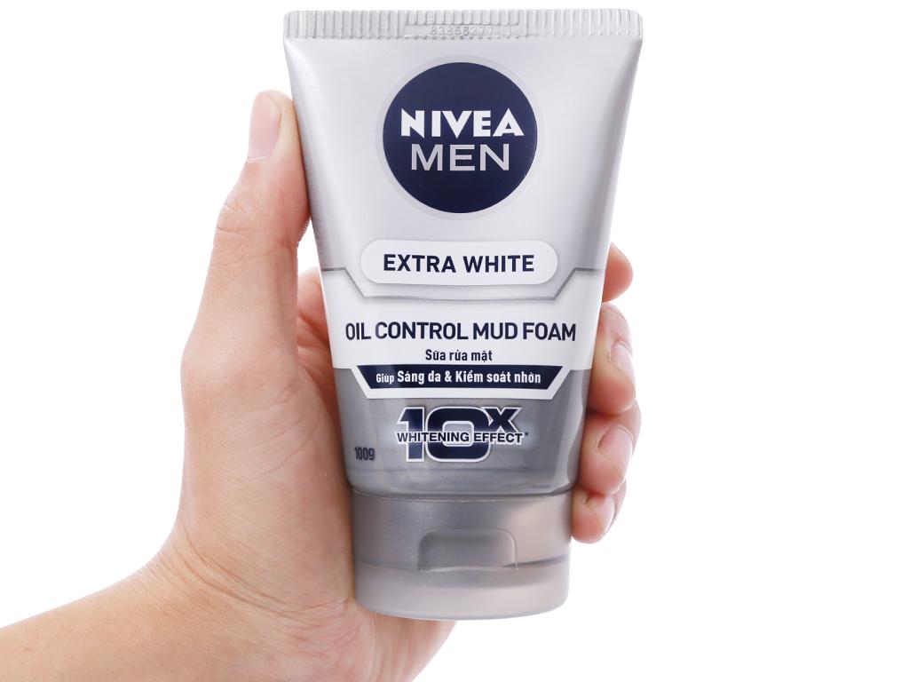 Sữa rửa mặt Nivea Men Extra White sáng da kiểm soát nhờn 100g 4