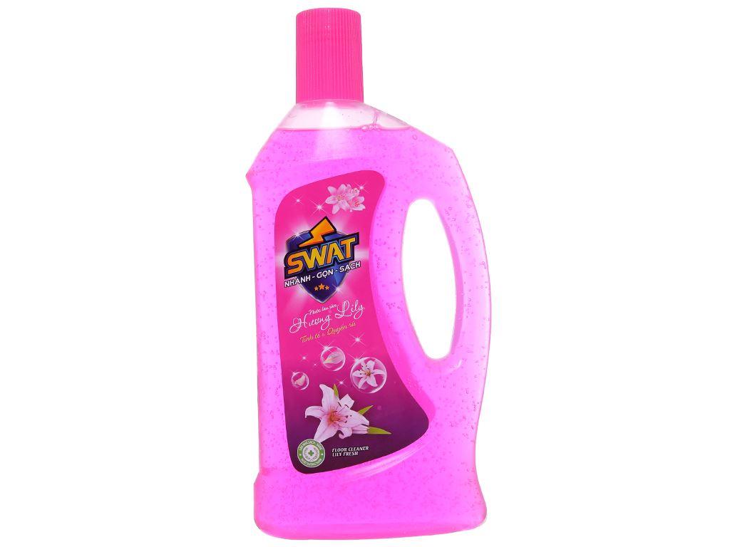 Nước lau sàn Swat hương hoa lily chai 1 lít 1