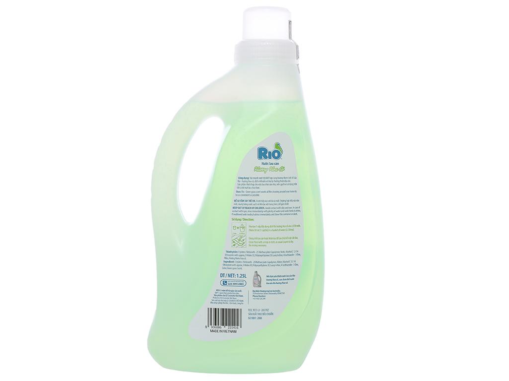Nước lau sàn Rio hương hoa cỏ chai 1.25 lít 2