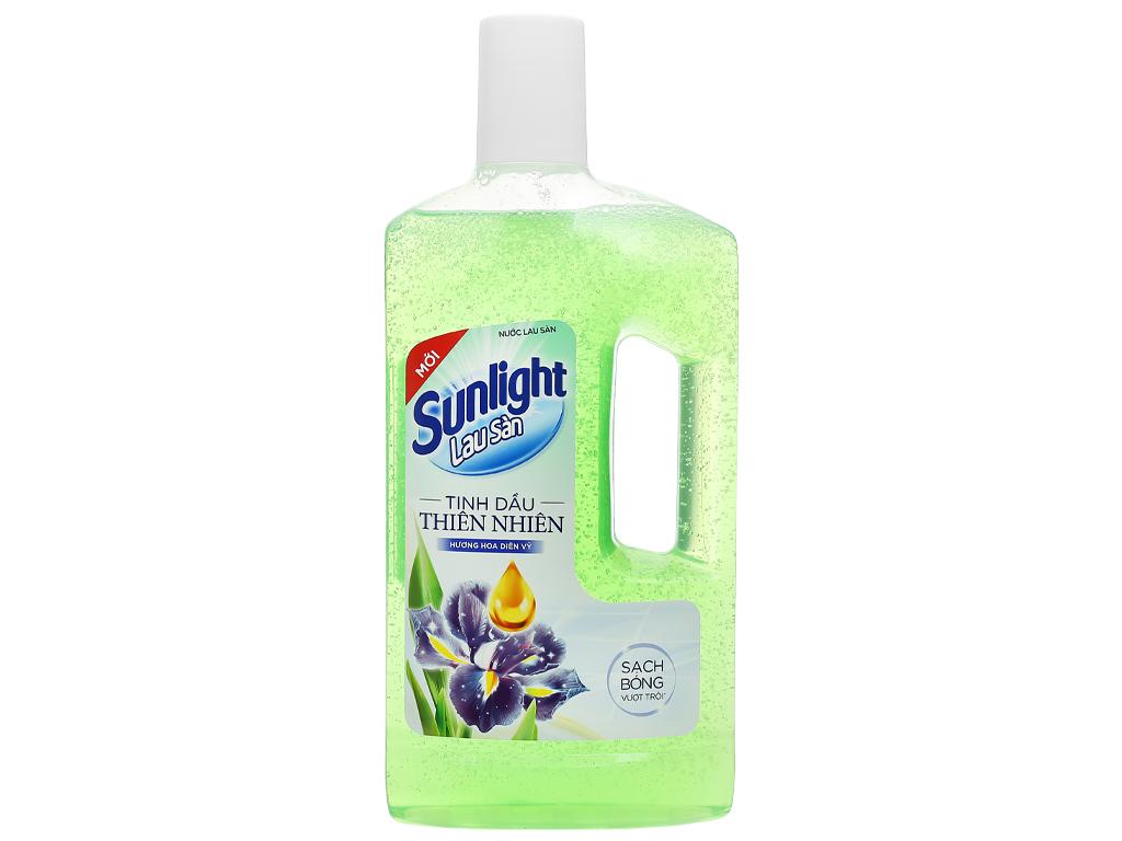 Nước lau sàn Sunlight hương hoa diên vỹ chai 1kg 1