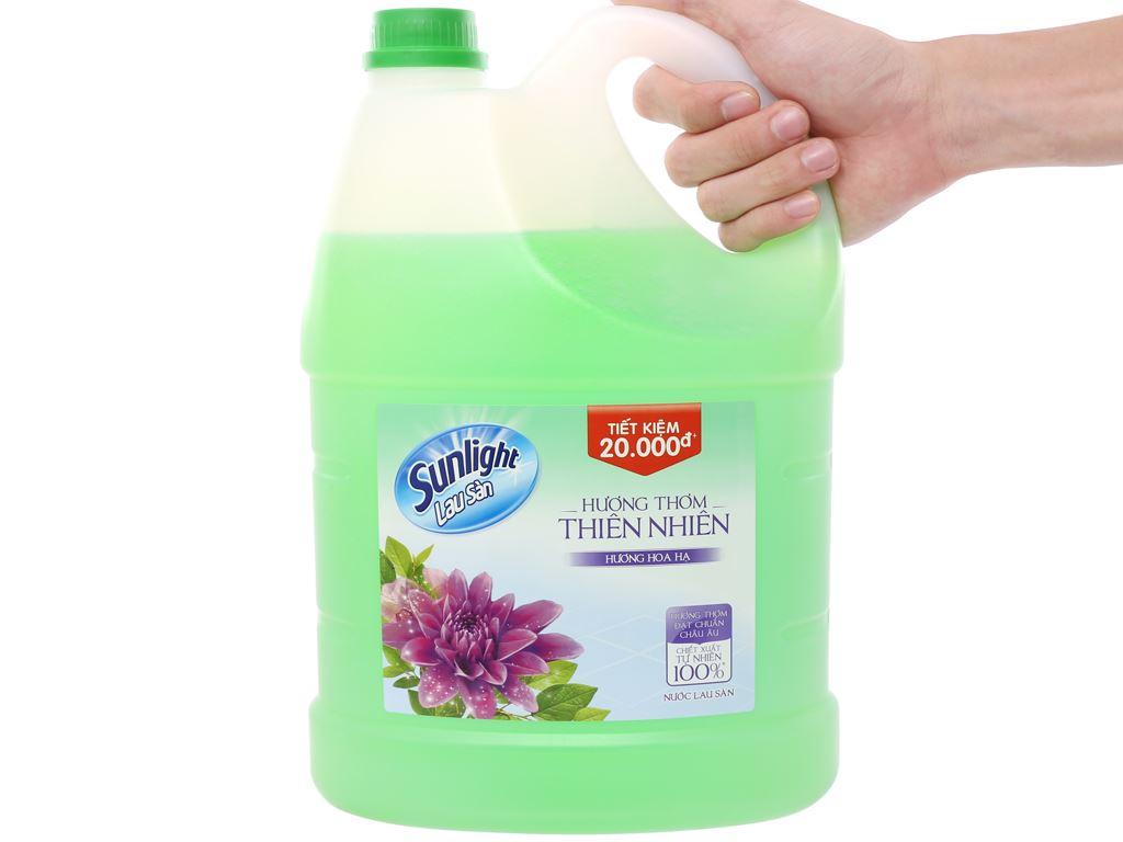 Nước lau sàn Sunlight hương hoa hạ can 3.8kg 3