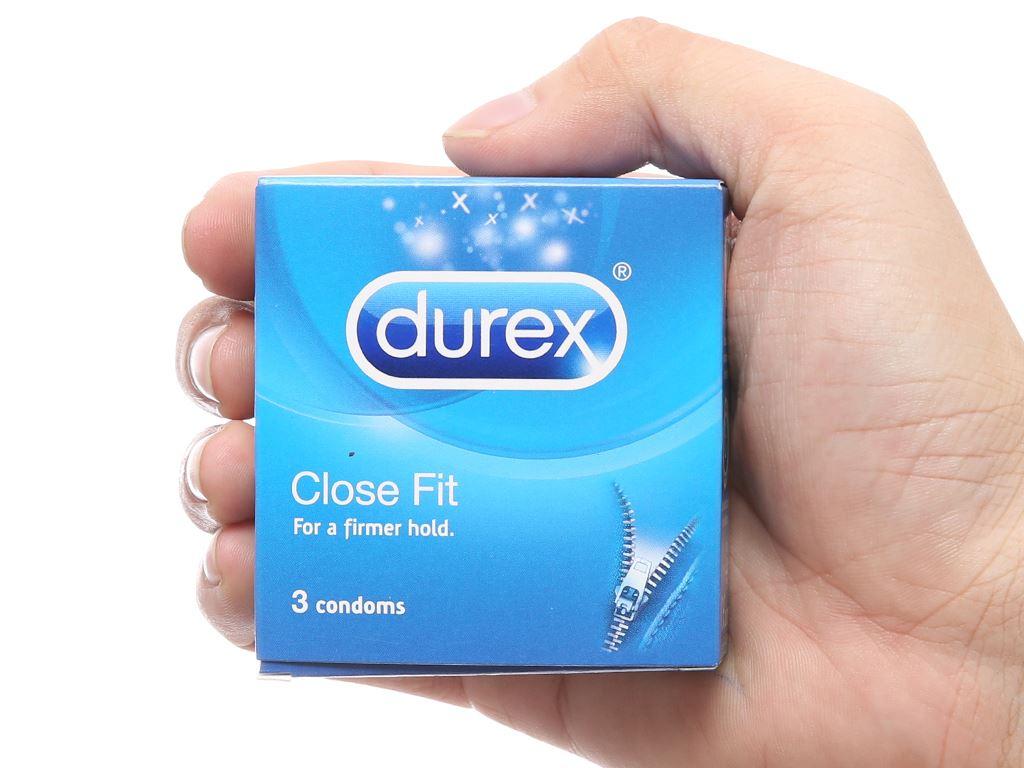 Hộp 3 cái Bao cao su Durex Close Fit 49mm 4