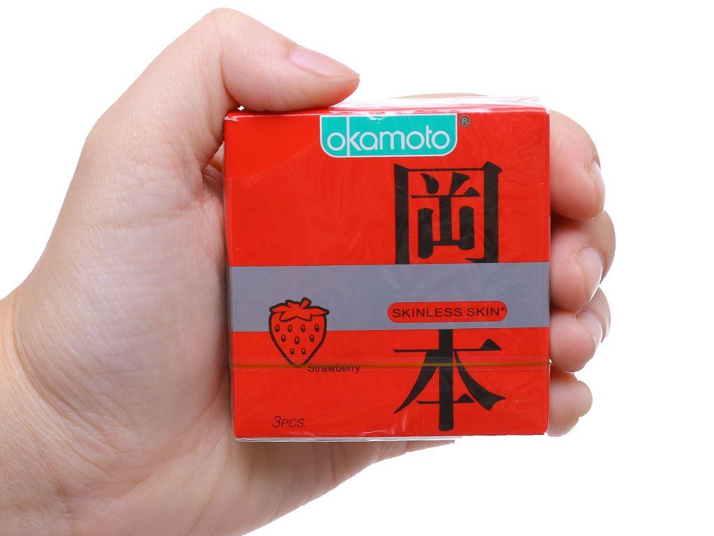Hộp 3 cái bao cao su Okamoto Skinless Skin Strawberry 53mm 5