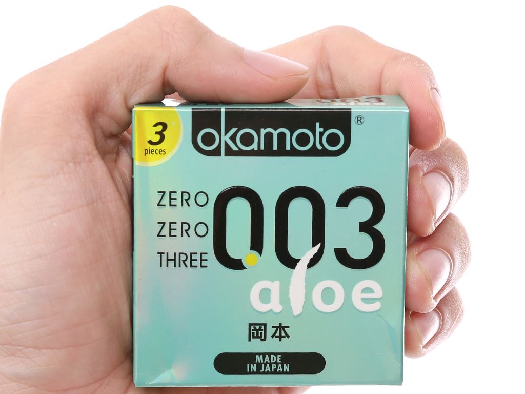 Hộp 3 cái bao cao su Okamoto 003 tinh chất lô hội 52mm 4