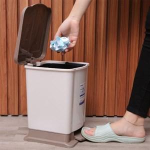Thùng rác đạp nhựa nhỏ Duy Tân TR02 sữa