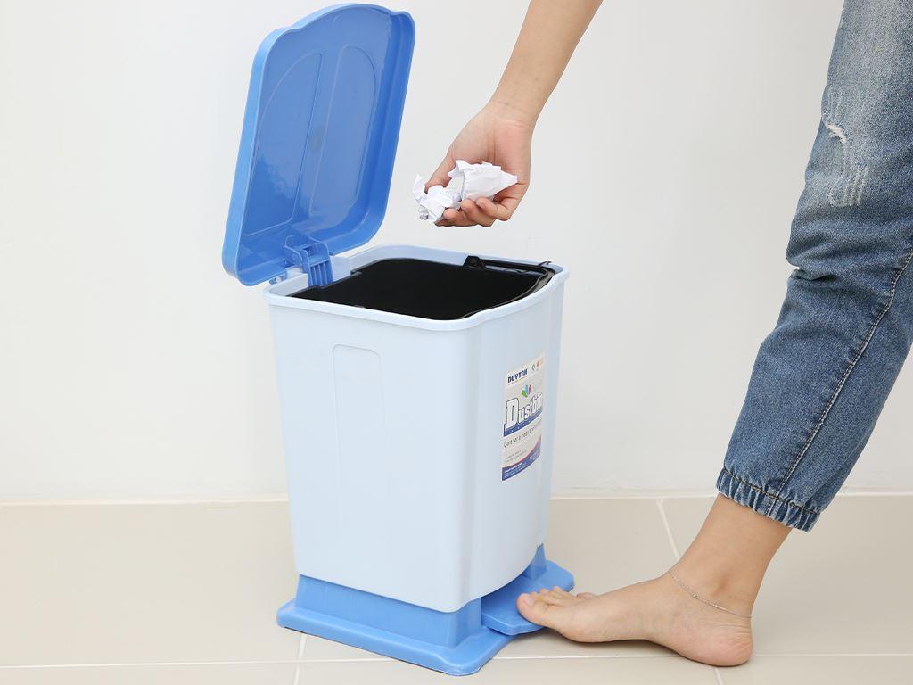 Thùng rác đạp nhựa trung Duy Tân TR03 (giao màu ngẫu nhiên) 7