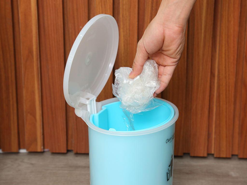 Thùng rác đạp nhựa nhỏ Duy Tân 21.5x19.5cm (giao màu ngẫu nhiên) 6