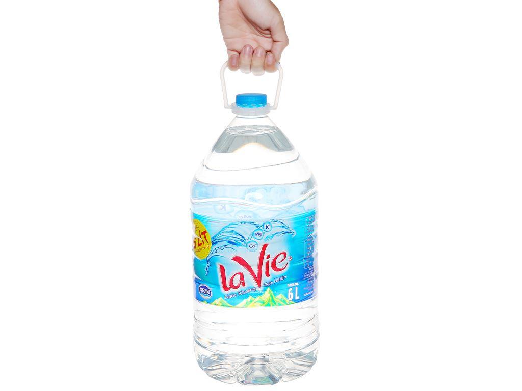 Thùng 4 chai nước khoáng La Vie 6 lít 8