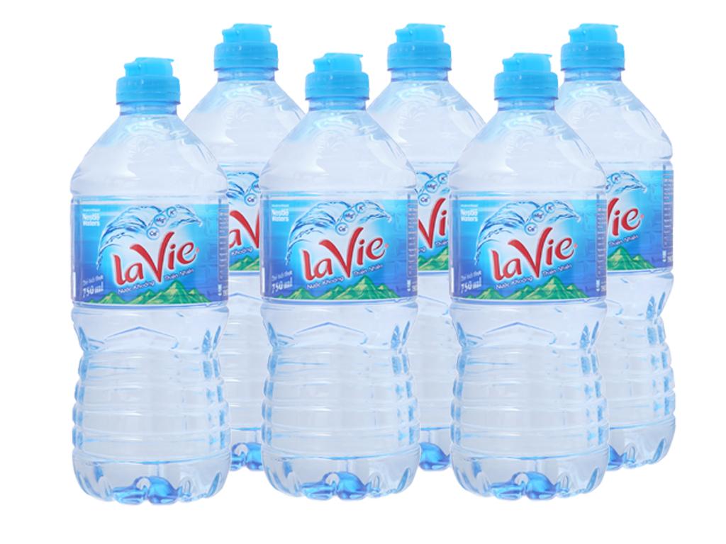 6 chai nước khoáng La Vie 750ml 1