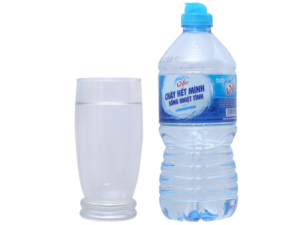 Thùng 12 chai nước khoáng La Vie 750ml 4