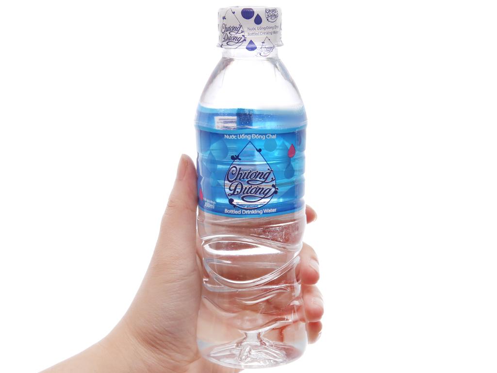 6 chai nước khoáng Chương dương 350ml 4