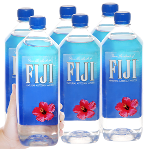 6 chai nước khoáng Fiji 1 lít