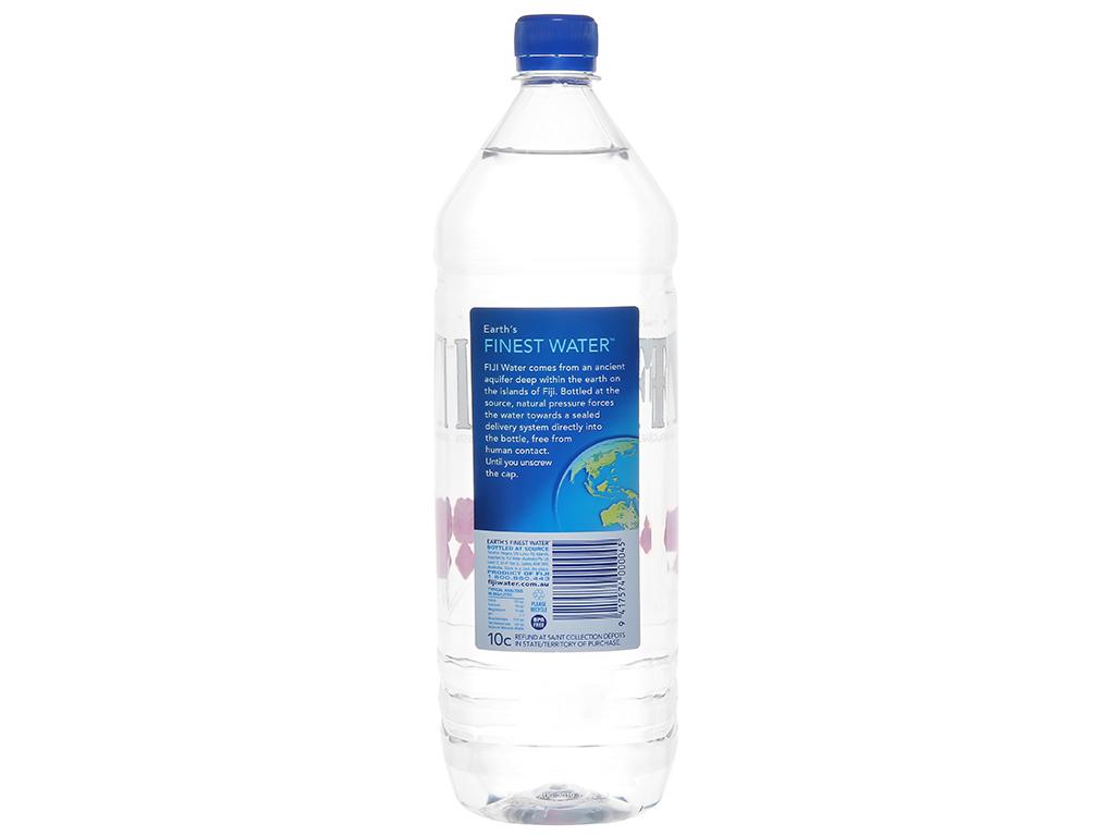 6 chai nước khoáng Fiji 1.5 lít 3