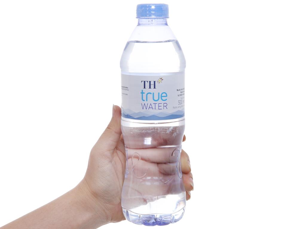 Thùng 24 chai nước tinh khiết TH True Water 500ml 4