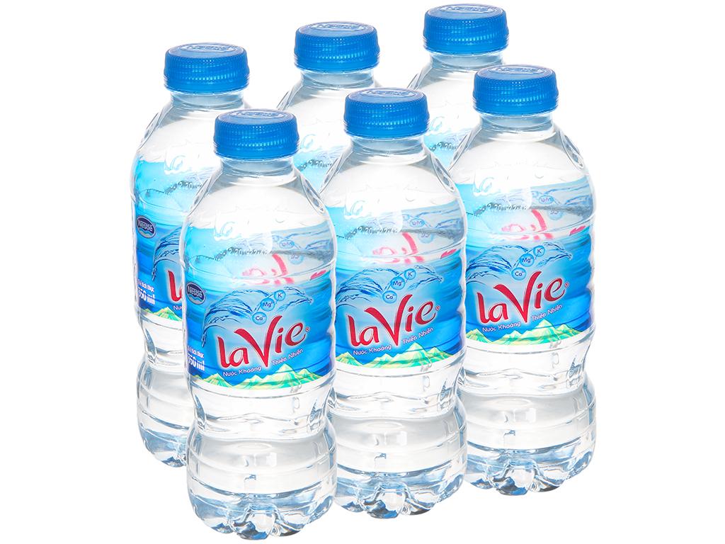 6 chai nước khoáng La Vie 350ml 1