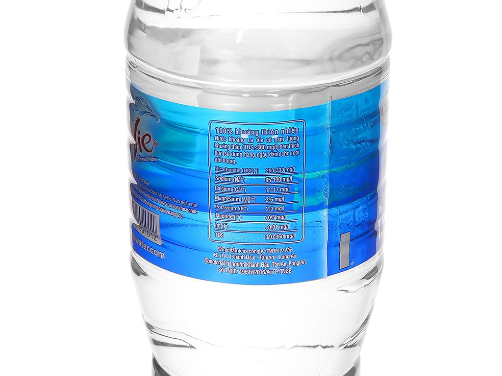 Thùng 12 chai nước khoáng La Vie 1.5 lít 4