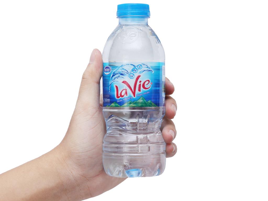 Thùng 24 chai nước khoáng La Vie 350ml 4