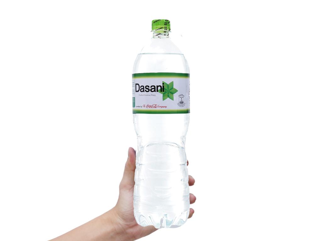6 chai nước tinh khiết Dasani 1.5 lít 4
