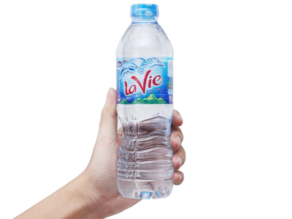Thùng 24 chai nước khoáng La Vie 500ml 4