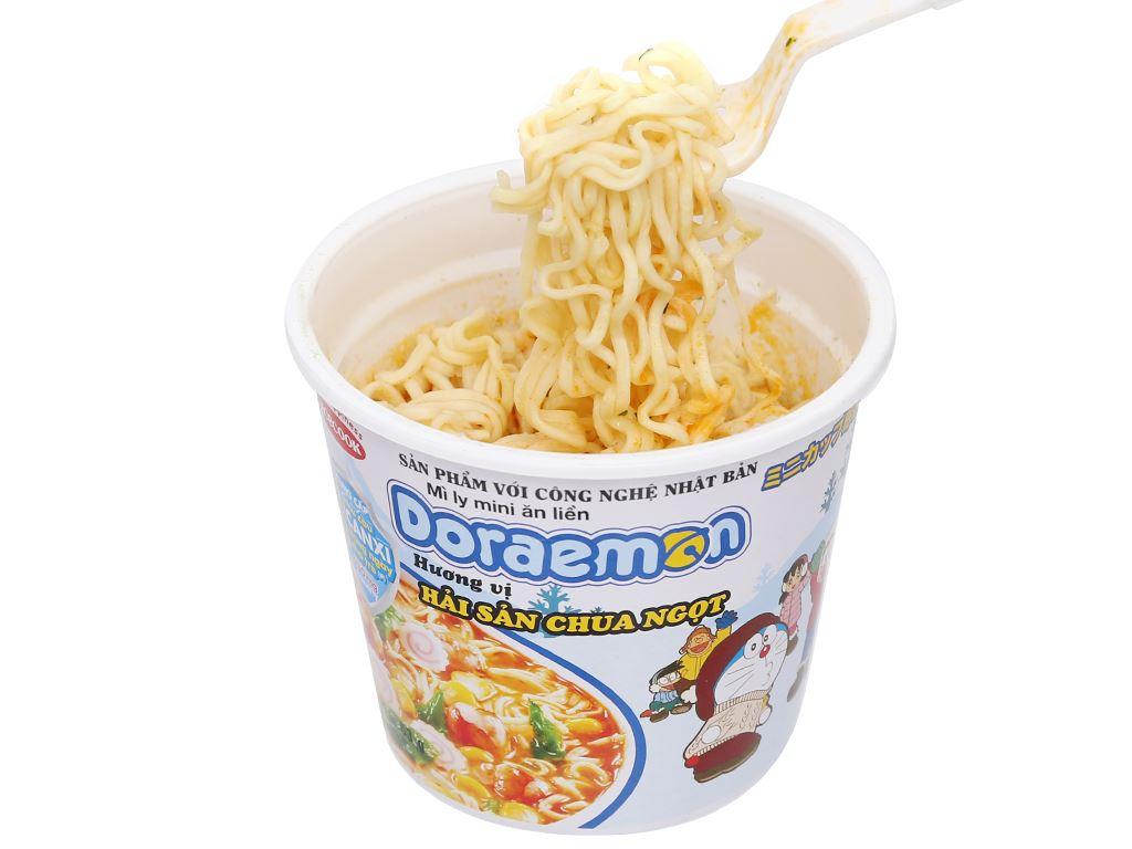 Mì ly mini Doraemon hải sản chua ngọt 53g 8