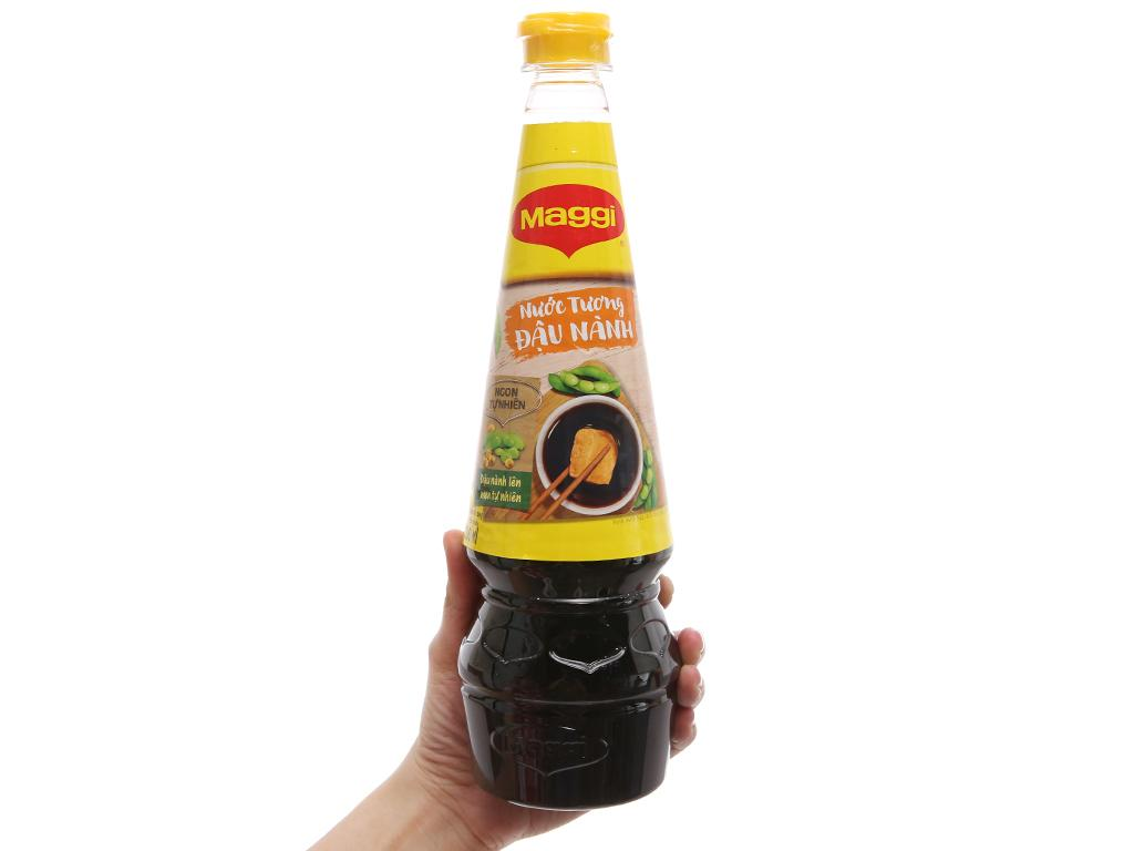 Nước tương đậu nành Maggi chai 700ml 1
