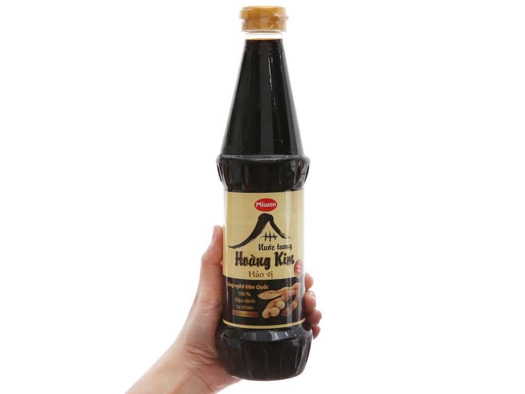 Nước tương hảo vị Hoàng Kim Miwon chai 650ml 1