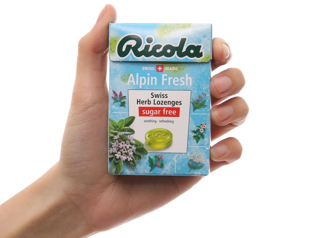 Kẹo ngậm thảo mộc không đường Ricola Alpin Fresh hộp 40g 5