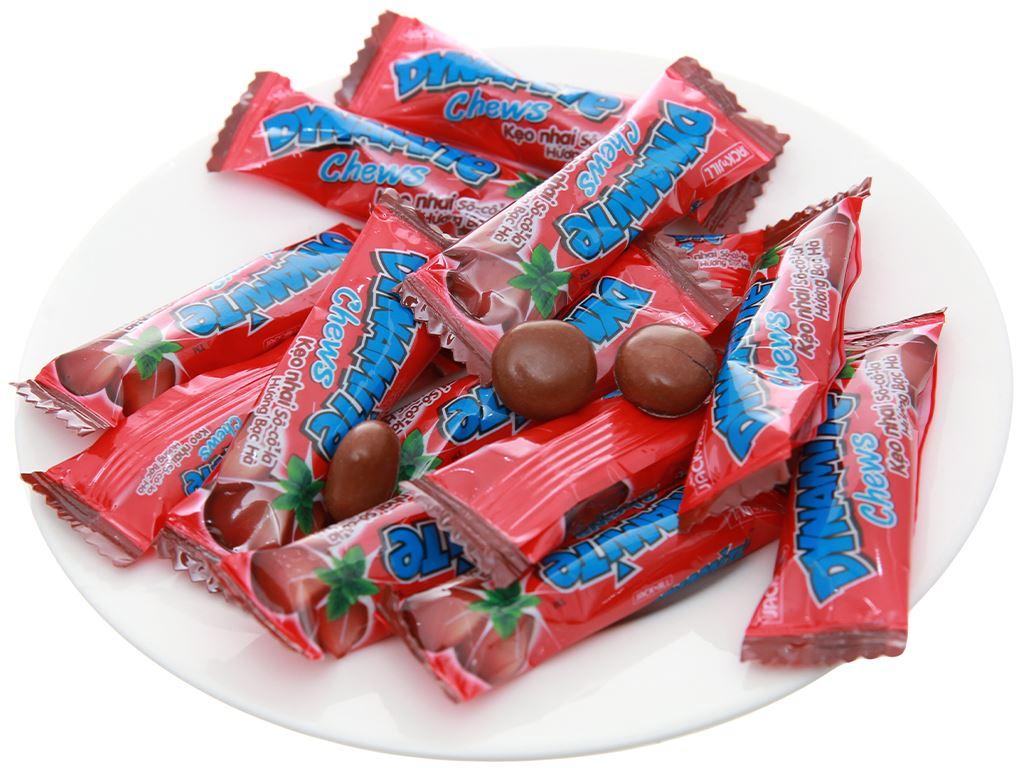 Kẹo nhai socola hương bạc hà Dynamite Chews gói 125g 4