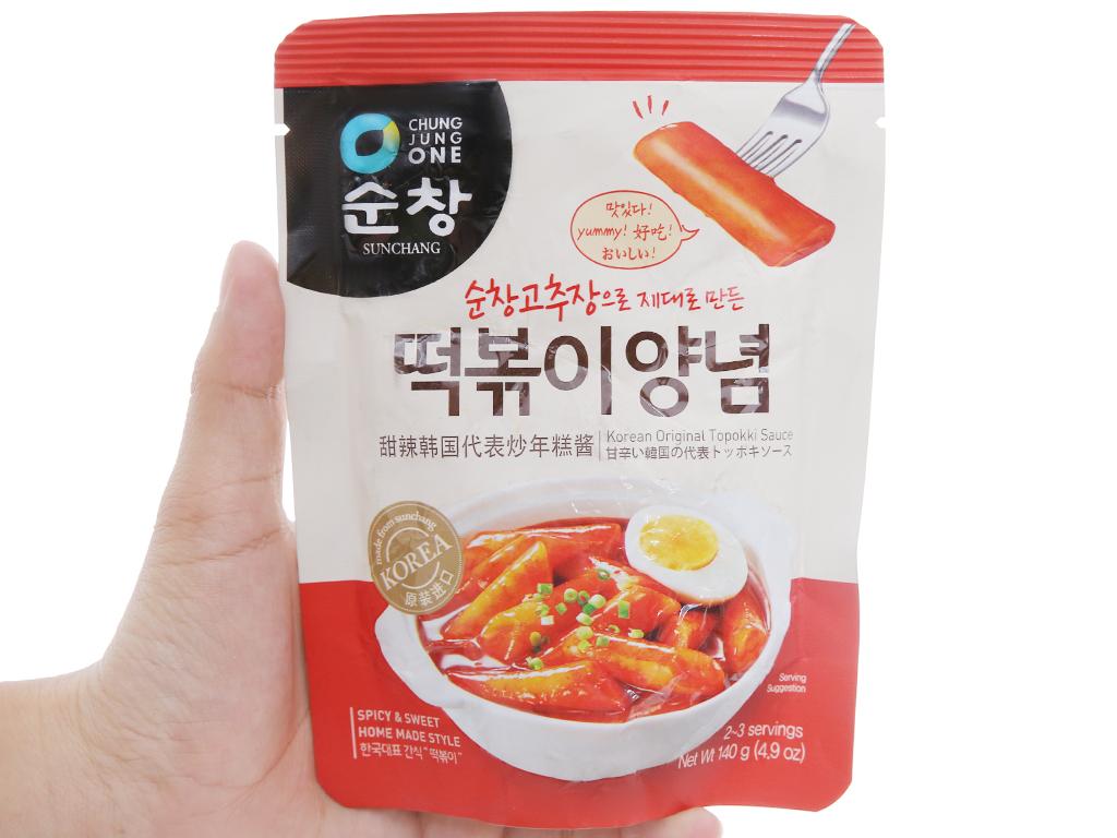 Sốt nấu Tokbokki Chung Jung One gói 140g 3