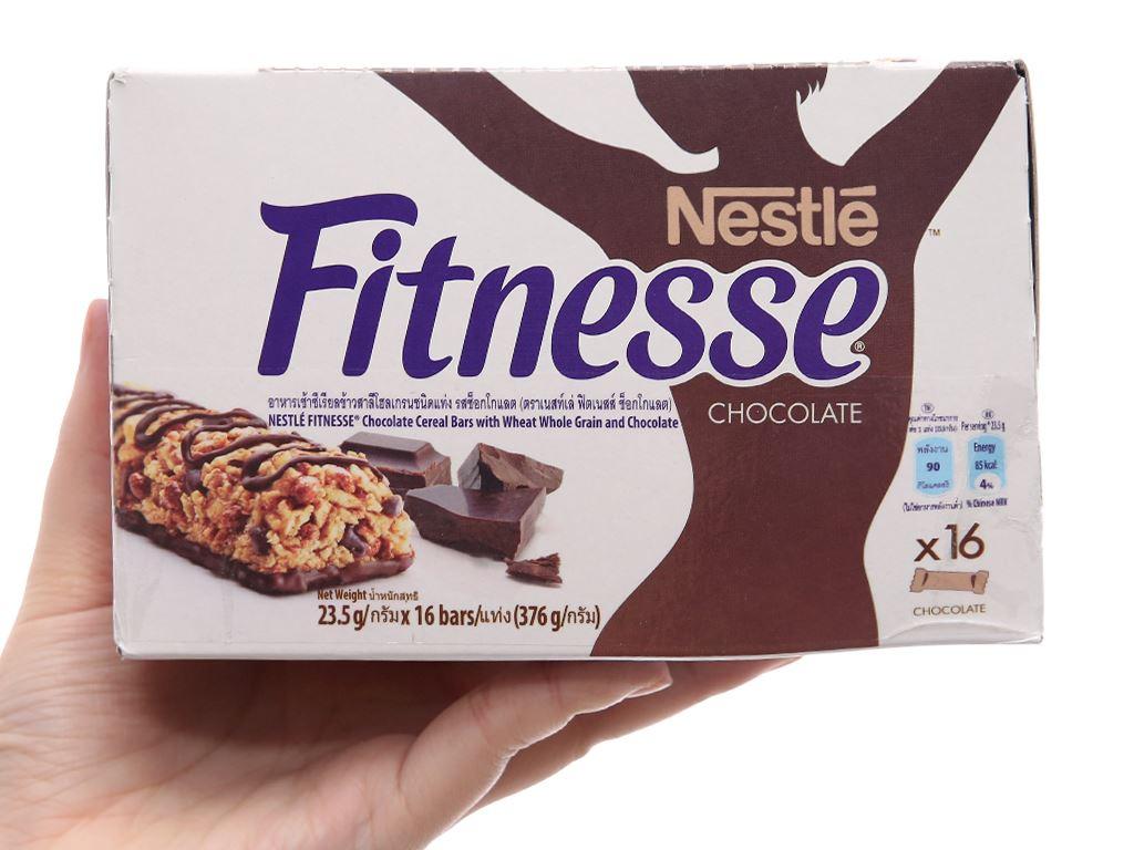 Ngũ cốc Nestlé Fitnesse vị socola hộp 376g 5