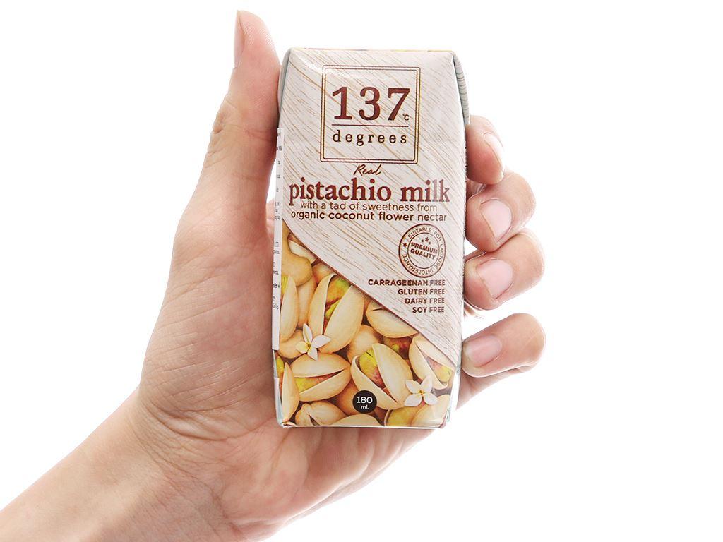 Lốc 3 hộp sữa hạt dẻ cười truyền thống 137 Degrees 180ml 11
