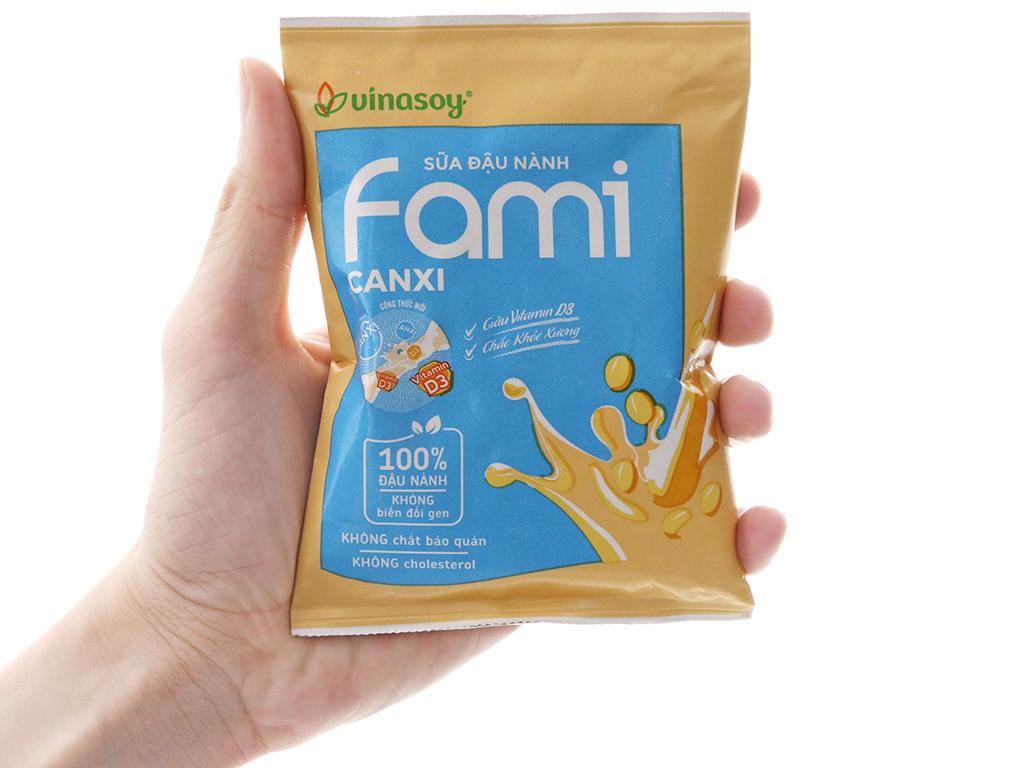 Sữa đậu nành Fami Canxi bịch 200ml 4